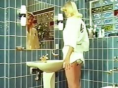 Pissing porn tube - películas porno de los años 90